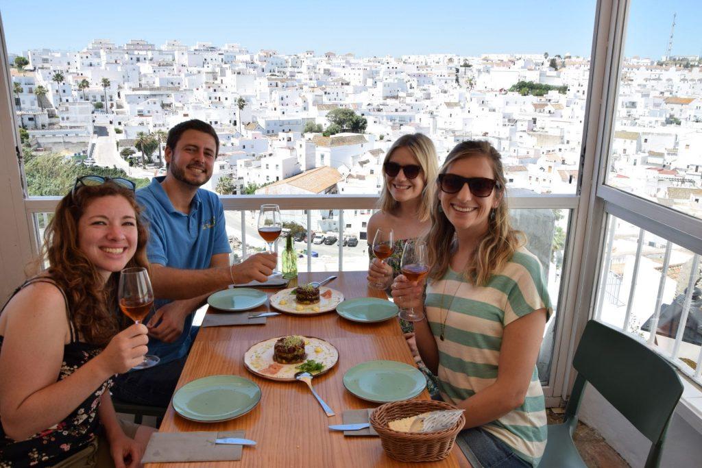 Tapas and sherry main image daytour in Vejer de la Frontera con Explore la Tierra hiking tours Cadiz