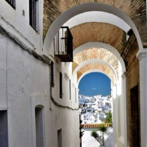 Vejer de la Frontera walking tour Arches of Vejer Explore la Tierra Cadiz Square